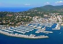 Cavalaire-sur-Mer est une commune française située dans le département du Var, en région Provence-Alpes-Côte d'Azur