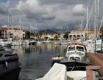 Cogolin est une commune française située dans le département du Var, en région Provence-Alpes-Côte d'Azur