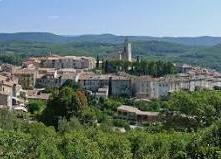 Flayosc est une commune française située dans le département du Var, en région Provence-Alpes-Côte d'Azur.