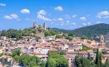 Grimaud est une commune française située dans le département du Var, en région Provence-Alpes-Côte d'Azur