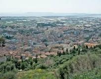 Hyères est une commune française située dans le département du Var, en région Provence-Alpes-Côte d'Azur